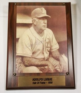 adolfo_luque_hall_of_fame_plaque